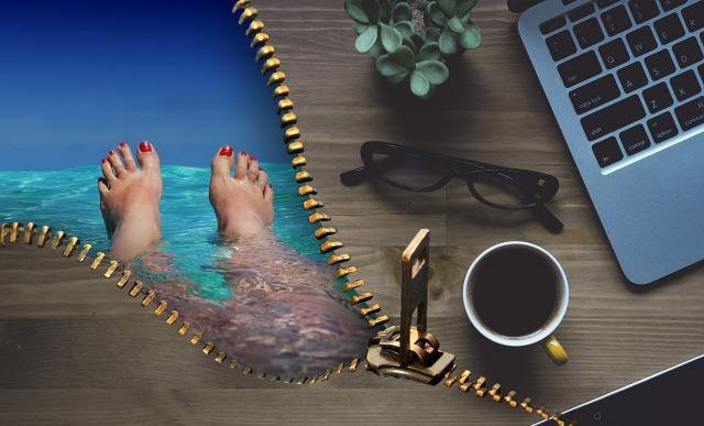 https://pixabay.com/de/b%C3%BCro-arbeit-urlaub-erholung-1548292/