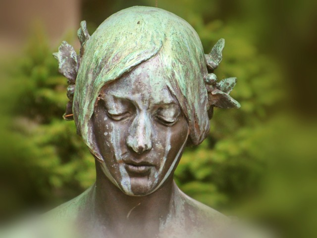 https://pixabay.com/de/frau-kopf-portrait-skulptur-statue-986491/