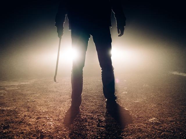 https://pixabay.com/de/m%C3%B6rder-horror-jimmy-stas-prybar-820017/
