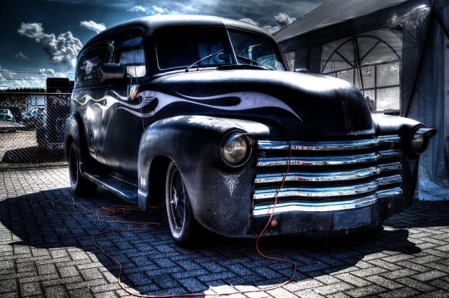 https://pixabay.com/de/oldtimer-auto-alte-schwarz-luxus-384658/