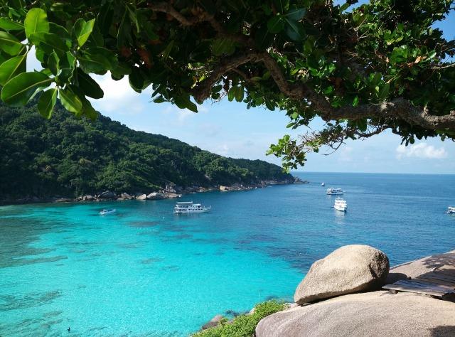 https://pixabay.com/de/similan-island-boote-azurblau-meer-1305378/