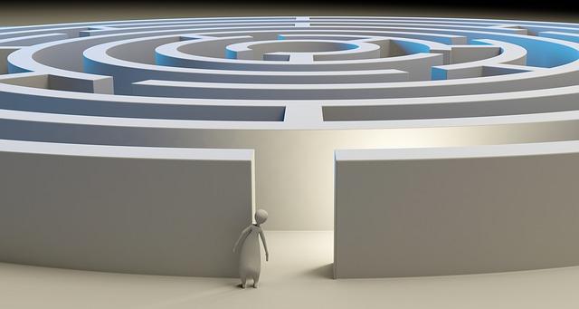https://pixabay.com/de/labyrinth-l%C3%B6sung-verloren-problem-1804499/