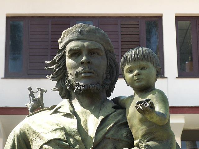 https://pixabay.com/de/che-guavarra-statue-mausoleum-1872538/
