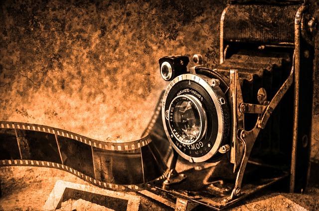 https://pixabay.com/de/foto-kamera-fotografie-alte-retro-219958/