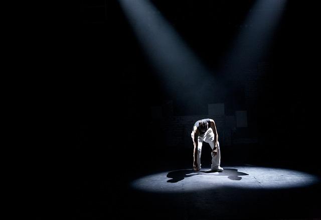 https://pixabay.com/de/menschen-theater-monolog-430559/