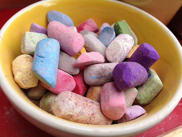 https://pixabay.com/de/kreide-lila-zeichen-farben-rosa-1131019/