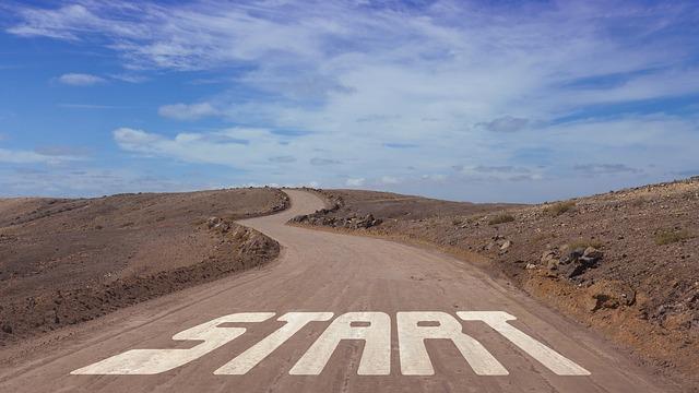 https://pixabay.com/de/stra%C3%9Fe-start-anfangen-beginn-1668916/