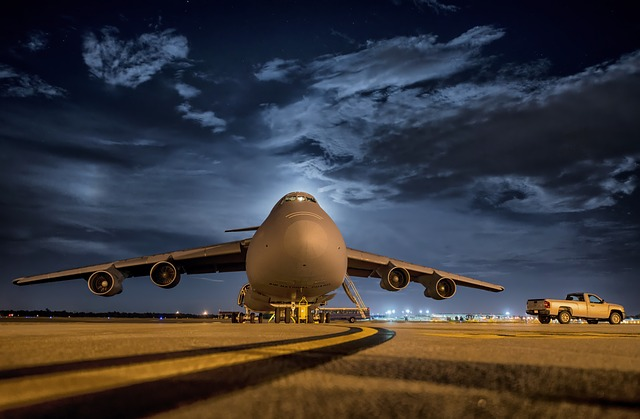https://pixabay.com/de/flugzeug-flugzeuge-jet-airbase-170272/