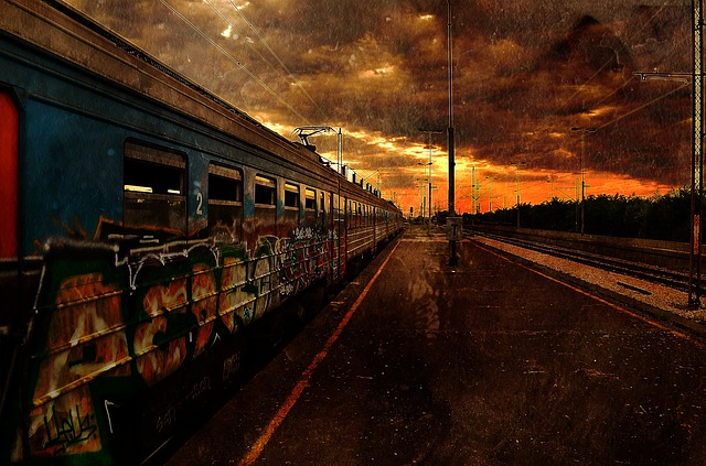https://pixabay.com/de/zug-apokalypse-sonnenaufgang-ende-1277167/