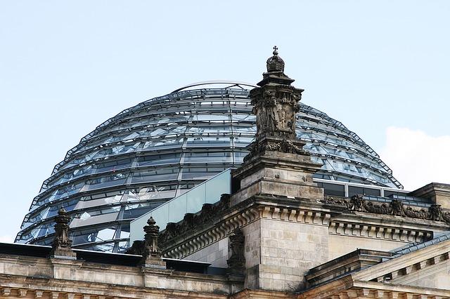 https://pixabay.com/de/bundestag-berlin-geb%C3%A4ude-regierung-1329911/