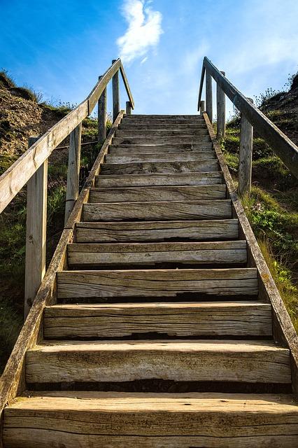 https://pixabay.com/de/treppe-weg-stufen-aufstieg-aufgang-1458533/