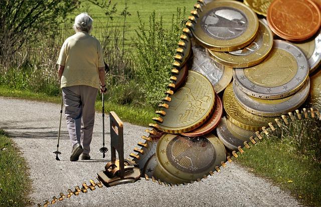 https://pixabay.com/de/alte-menschen-rentner-rente-geld-1553347/