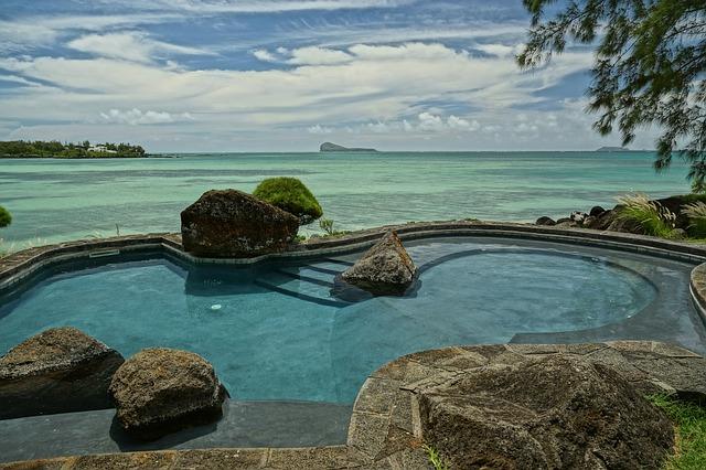 https://pixabay.com/de/meer-indischen-ozean-pool-ansicht-2105702/