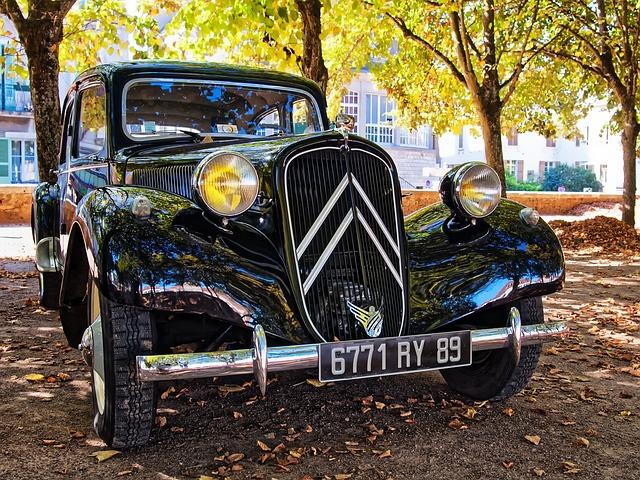 https://pixabay.com/de/alter-citroen-auto-frankreich-alt-2461964/