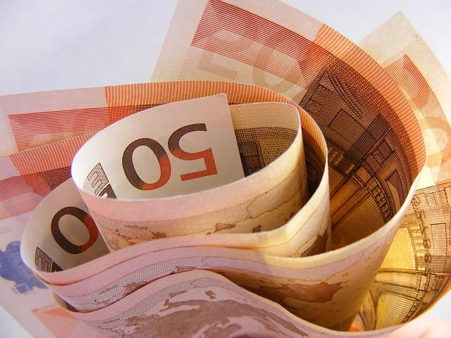 https://pixabay.com/de/geld-euro-bargeld-w%C3%A4hrung-ergebnis-87224/