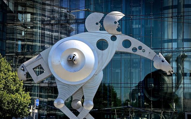 https://pixabay.com/de/skulptur-metall-kunst-figur-statue-2440911/