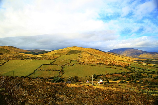 https://pixabay.com/de/anascaul-county-kerry-sanfte-h%C3%BCgel-751482/