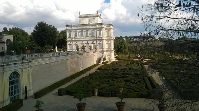 https://pixabay.com/de/villa-park-rom-2079835/