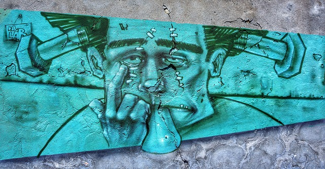 https://pixabay.com/de/stra%C3%9Fe-kunst-graffiti-cartoon-2657640/