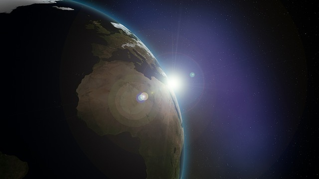 https://pixabay.com/de/erde-raum-sonnenaufgang-planeten-586542/