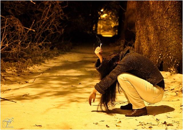 https://pixabay.com/de/trauriges-m%C3%A4dchen-deprimiert-236769/