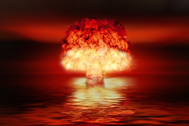 https://pixabay.com/de/atombombe-atomwaffen-kernwaffen-2621291/