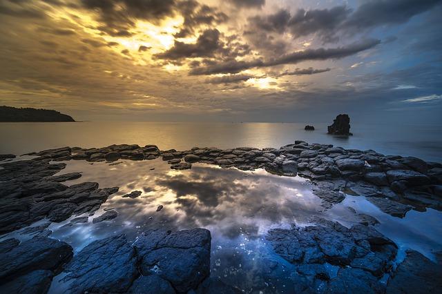 https://pixabay.com/de/vulkangestein-coral-abenteuer-gro%C3%9Fe-3062013/