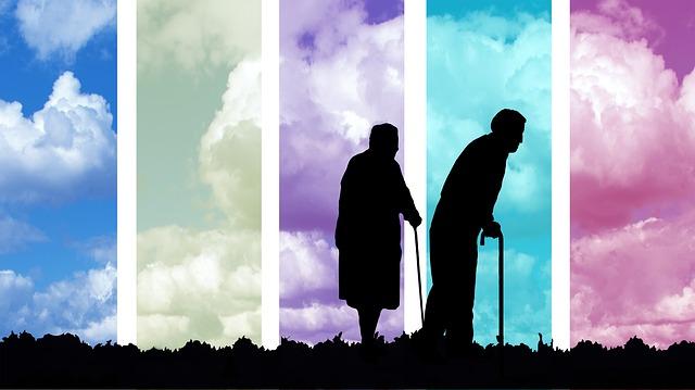 https://pixabay.com/de/alter-senioren-alt-wolken-rentner-2814935/