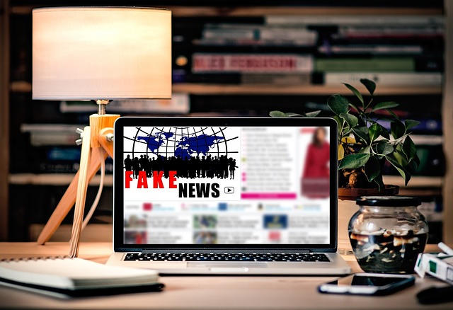 https://pixabay.com/de/fake-fake-news-medien-laptop-1909821/