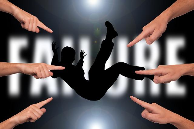 https://pixabay.com/de/versager-versagen-finger-fingerzeig-3096225/