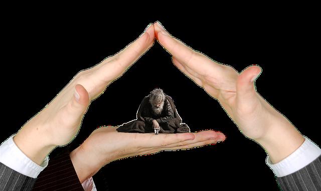 https://pixabay.com/de/hilfe-arme-h%C3%A4nde-dach-einsamkeit-2930392/