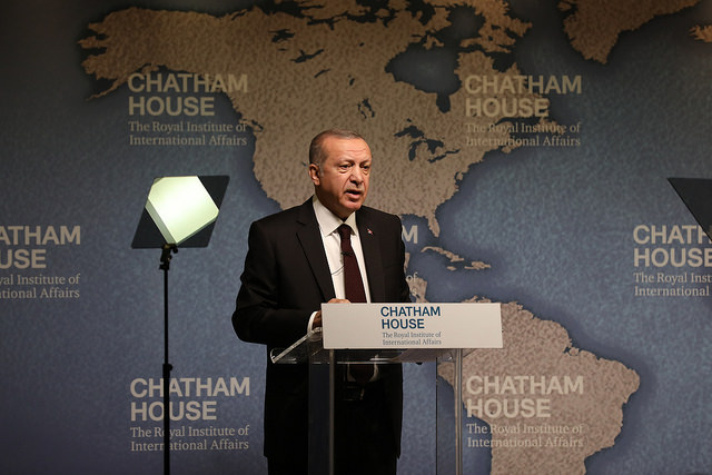 https://www.flickr.com/photos/chathamhouse/42057327022/sizes/z/
