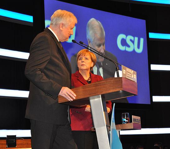 https://upload.wikimedia.org/wikipedia/commons/thumb/c/c8/Angela_Merkel_mit_Horst_Seehofer_1738.jpg/546px-Angela_Merkel_mit_Horst_Seehofer_1738.jpg