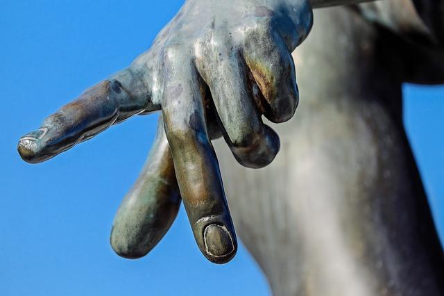 https://pixabay.com/de/finger-hand-zeichen-symbol-geste-1697331/
