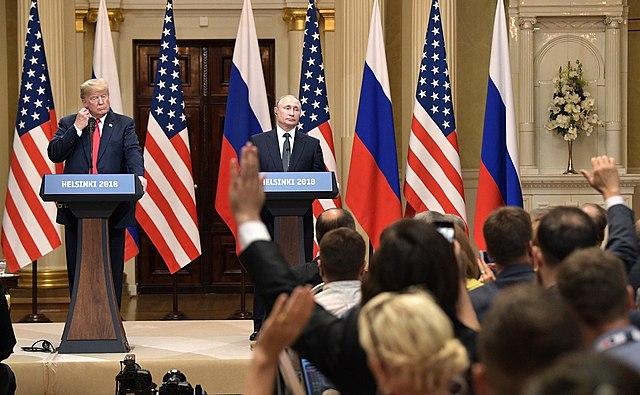 https://upload.wikimedia.org/wikipedia/commons/thumb/a/a7/Vladimir_Putin_%26_Donald_Trump_in_Helsinki%2C_16_July_2018_%289%29.jpg/640px-Vladimir_Putin_%26_Donald_Trump_in_Helsinki%2C_16_July_2018_%289%29.jpg