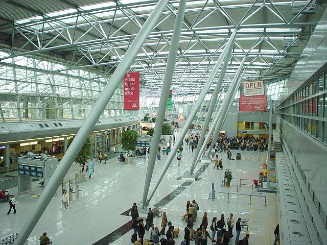 https://upload.wikimedia.org/wikipedia/commons/thumb/e/e3/Duesseldorf_international_terminal.jpg/640px-Duesseldorf_international_terminal.jpg