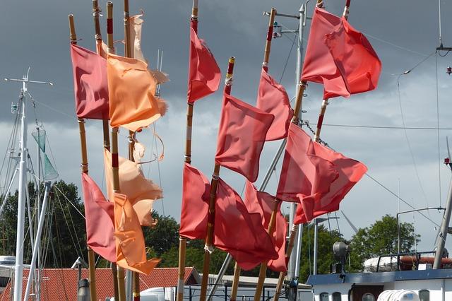 https://pixabay.com/de/fahnen-meer-flagge-wehen-wind-3391239/