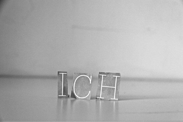 https://pixabay.com/de/ich-buchstaben-schwarz-wei%C3%9F-655891/