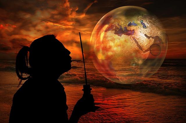 https://pixabay.com/de/seifenblase-globus-frau-europa-2258904/