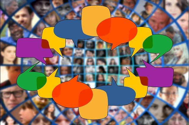 https://pixabay.com/de/social-media-menschenmenge-menschen-3696898/