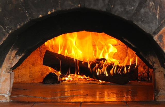 https://pixabay.com/de/brennenden-holzscheits-flamme-feuer-2088631/