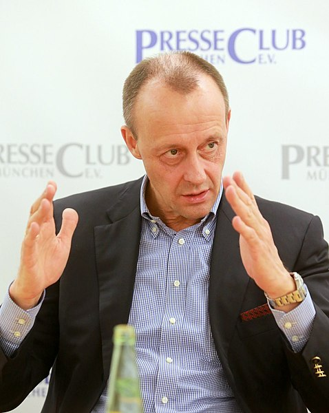 https://upload.wikimedia.org/wikipedia/commons/thumb/7/7c/2017-02-01_Friedrich_Merz-7692.JPG/478px-2017-02-01_Friedrich_Merz-7692.JPG
