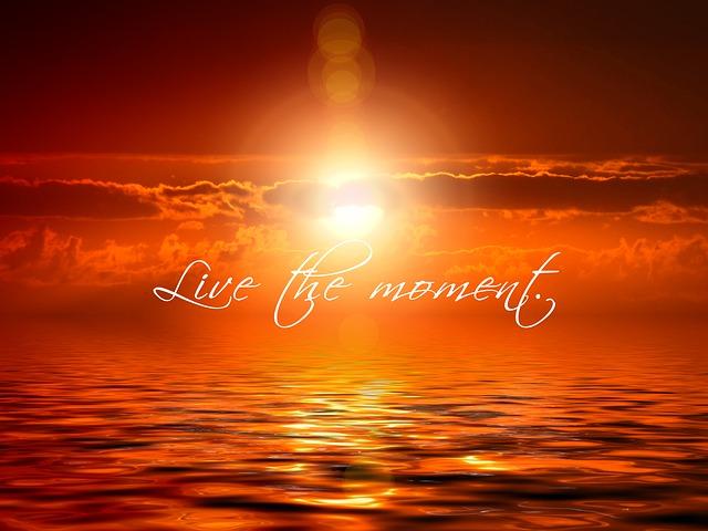 https://pixabay.com/de/sonnenuntergang-wolke-meditation-473603/