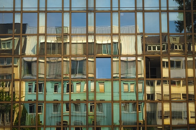 https://pixabay.com/de/architektur-glasfassade-modern-3632981/