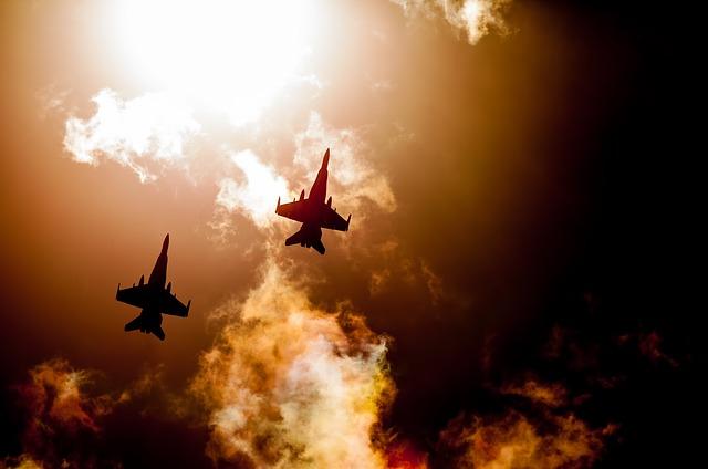 https://pixabay.com/de/jet-kampfjet-raaf-hornets-2974131/