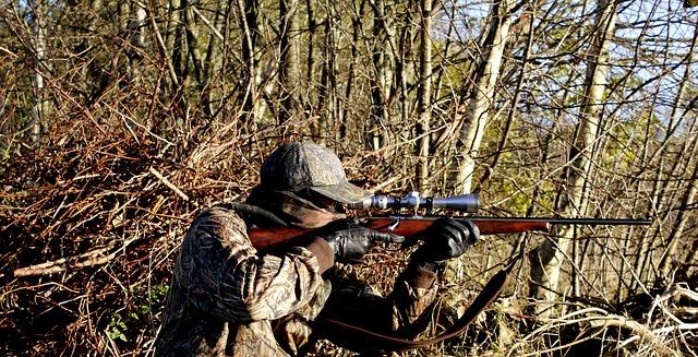 https://pixabay.com/de/jagd-gewehr-waffen-schie%C3%9Fen-hunter-3781222/