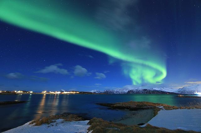 https://pixabay.com/de/nordlicht-norwegen-arktis-borealis-2387773/