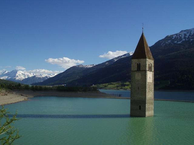 https://pixabay.com/de/kirchturm-kirche-see-unter-wasser-878/