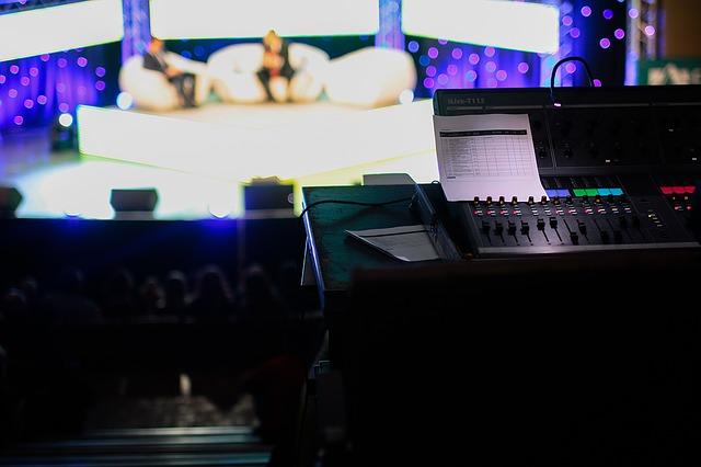 https://pixabay.com/de/talkshow-tv-live-tv-zeigen-1149788/