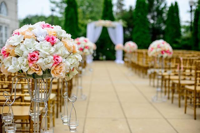 https://pixabay.com/photos/aisle-bloom-blossom-bouquet-1846114/
